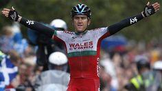 Glasgow 2014: Geraint Thomas wins gold in men's road race
