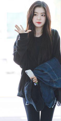 Irene ❤ red velvet irene, black velvet, seulgi, korean fashion kpop, ve Seulgi, Red Velvet アイリーン, Red Velvet Irene, Kpop Girl Groups, Kpop Girls, Korean Girl, Asian Girl, Korean Fashion Kpop, Velvet Fashion