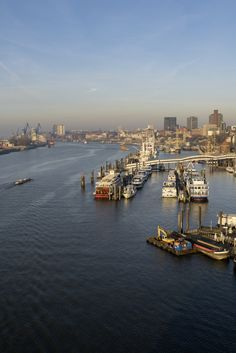 Hamburg Foto Blick auf die Landungsbrücken | Bildschönes Hamburg