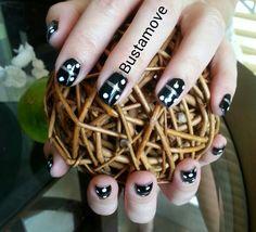 Bustamove Nails