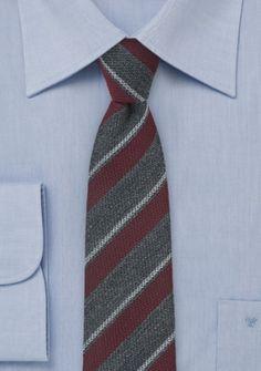 Krawatte klassisch gearbeitetes Streifendesign anthrazit weinrot