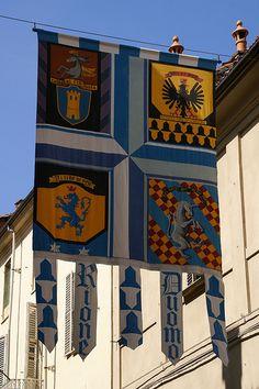 Asti, Via Caracciolo, Palio-Fahne (palio flag) #TuscanyAgriturismoGiratola