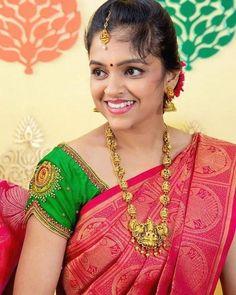 Wedding Saree Blouse Designs, Silk Saree Blouse Designs, Blouse Neck Designs, Sari Blouse, Hand Work Blouse Design, Simple Blouse Designs, Traditional Blouse Designs, Designer Blouse Patterns, Couture