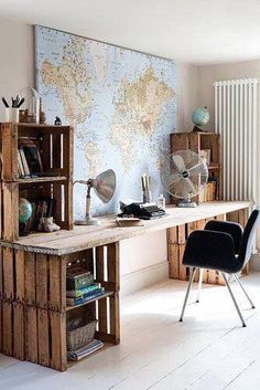 54 trendy home office corner desk diy signs Mesa Home Office, Home Office Space, Home Office Desks, Home Office Furniture, Rustic Office Desk, Creative Office Decor, Creative Home, Crate Desk, Wood Crate Furniture