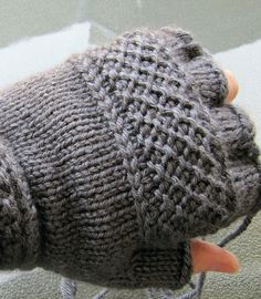 Linen Ridge Stitch.  Treads, a tipless gloves pattern by Victoria Anne Baker -  free pattern