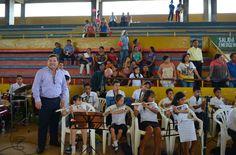 LAS NIÑAS Y NIÑOS GRUPO DE MÚSICA VACACIONALES 2015 JUNTO AL ALCALDE ARQ. CÉSAR ENCALADA ERRÁEZ.