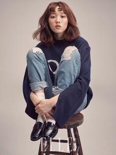 Lee Sung Kyung - Elle Magazine Februar-Ausgabe - K fashion - Fashion Book Female Pose Reference, Pose Reference Photo, Human Reference, Drawing Reference Poses, Gesture Drawing Poses, K Fashion, Japan Fashion, Fashion Poses, Korea Fashion