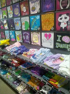 Metal Frame T-Shirt Display