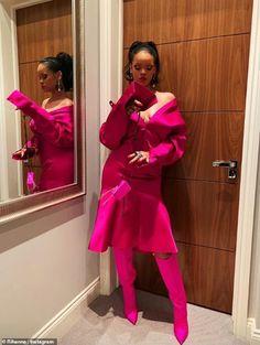 💕 rihanna riri badgalriri robyn fenty queen icon legend she bae perfection flawless fashion fashionicon fashionkilla style outfit hair makeup fentybeauty jewerly nails tattoos details tb Rihanna Outfits, Looks Rihanna, Rihanna Riri, Rihanna Style, Beyonce, Rihanna Song, Rihanna Fashion, Dior Fashion, Style Fashion