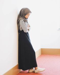 Ideas Style Hijab Casual Simple Rok Jeans For 2019 Muslim Fashion, Modest Fashion, Fashion Outfits, Dress Fashion, Trendy Fashion, Casual Hijab Outfit, Casual Dresses, Ootd Hijab, Dresses Dresses