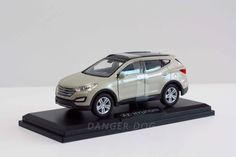 Miniature Car Hyundai SANTAFE Ivory Diecast Toy Vehicles Collector Scale 1:38  #HYUNDAI #HYUNDAI