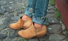 Uxibal leather boots