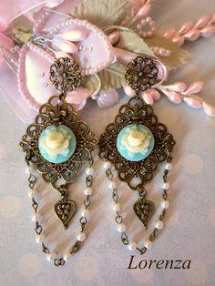 Boucles rétro romantique turquoise et ivoire : Boucles d'oreille par lorenza