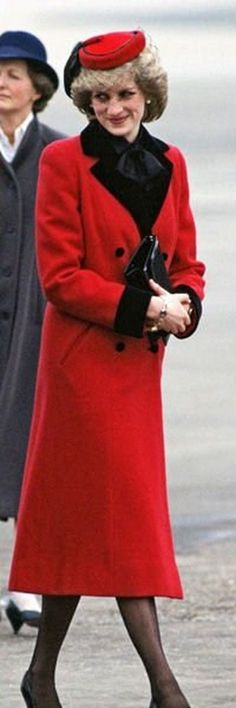 princess diana in a winter coat | Princess Diana Pictures Of The Day