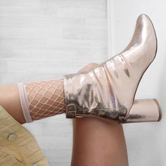 """6,278 likerklikk, 57 kommentarer – Alicia Roddy (@lissyroddyy) på Instagram: """"I can't even think of a caption to express how much I love these boots ✨"""""""