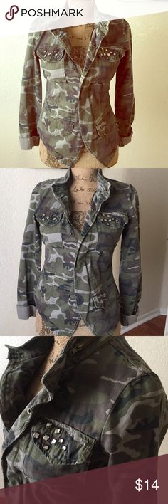 Cute Military Jacket💕 CUTE MILITARY JACKET WITH CAMOUFLAGE PRINT OLIVE GREEN COLOR with two packets in front SOME sequins zipper & buttons in front i cut off some patches over the shoulder other than that Great condition❤️ Wet Seal Jackets & Coats Blazers