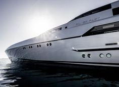 Silver Fast completed its 3,200 nautical mile maiden journey at an average speed of 17 knots and fuel consumption of 400 litres per hour