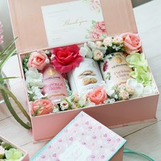 Every bridesmaids have different personalities, and this custom hampers could be the unique ideas for thank you gift | Floral Tea Hampers For A Garden-Themed Wedding | http://www.bridestory.com/blog/floral-tea-hampers-for-a-garden-themed-wedding