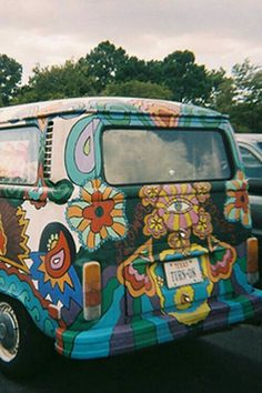 Hippies aren't into hate. Okay, which means you discover that you're a hippie. Then you are going to be a clean hippie. Then you're going to be a clean hippie. Hippie Style, Combi Hippie, Hippie Love, Hippie Art, Boho Hippie, Hippie Things, Hippie Vintage, Vw Vintage, Vintage Vibes