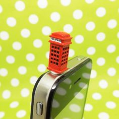 Hey, I found this really awesome Etsy listing at http://www.etsy.com/listing/129664749/london-style-mini-red-phone-booth