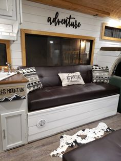 rv decorating ideas rv interior – Watch Center Camper Renovation, Camper Remodeling, Rv Trailers, Travel Trailers, Rv Interior, Camper Makeover, Remodeled Campers, House On Wheels, Rv Living