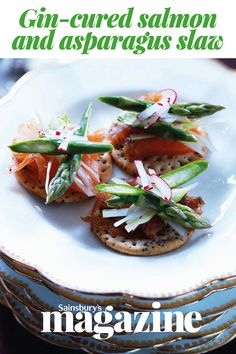 Gin-cured salmon and asparagus slaw bites. We'll have a tray each please Gin Recipes, Seafood Recipes, Gourmet Recipes, Special Recipes, Unique Recipes, Ethnic Recipes, Charcuterie, Tapas, Crudite