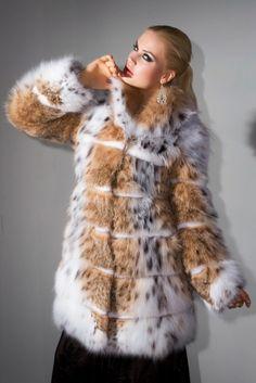 Γουνες Otcelot Χειροποιητα γουναρικα κατασκευασμενα στη Καστορια.Στη πολη που αξιοποιει χωρις διακοπη μεχρι σημερα εμπειρια αιωνων με ριζες στο Βυζαντιο Fur Coat, Jackets, Fashion, Fur, Dressing Up, Down Jackets, Moda, Fashion Styles, Fashion Illustrations