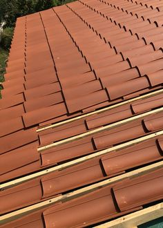 Tuile Canal, Roof Tiles, Brick Wall, Fence, Landscape, Wood, Scenery, Woodwind Instrument, Timber Wood