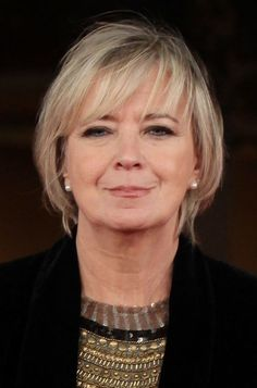 Flattering Bob Hairstyles for Older Women: Piera De Tassi's Bob