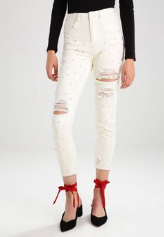 """Missguided. RIOT HIGHWAISTED RIPPED  - Slim fit jeans - ecru. Fit:Slim. Outer fabric material:100% cotton. Our model's height:Our model is 71.0 """" tall and is wearing size 8. Care instructions:Hand wash only. inner leg length:25.5 """" (Size 8). Fastening:zip fly..."""