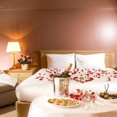 valentines bedroom image of romantic bedroom ideas Romantic Room Decoration, Romantic Bedroom Design, Romantic Bedrooms, Room Decorations, Bedroom Night, Bedroom Ideas, Cozy Bedroom, Bedroom Designs, Ideas Hogar