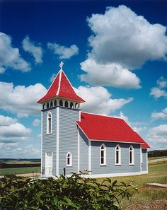 Saint Nicholas Church, east of Craven - nearby Lumsden (SK). This little wooden church is situated in the Qu'Apelle Valley nearby Lumsden and Craven, about 30 km's from the capital of Saskatchewan: Regina. It is th oldest remaining church of Saskatchewan. Old Country Churches, Old Churches, Catholic Churches, St Nicholas Church, Saint Nicholas, Old Time Religion, Cathedral Church, Church Building, Christian Church