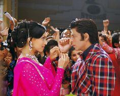 Shahrukh Khan and Deepika Padukone - Om Shanti Om - ॐ शांति ॐ - (2007)