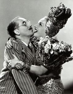 Groucho Marx and Carmen Miranda in Copacabana Carmen Miranda, Groucho Marx, Hollywood Actor, Hollywood Stars, Vintage Hollywood, Classic Hollywood, Celebrities Then And Now, Old Movie Stars, Movie Couples