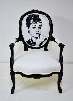 OMG  I am dying to have this chair!! I want it I want it I want it!!! CHRISTMAS PRESENT MUST!!!!!! @Savannah Warren