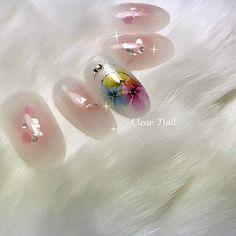 春ネイルです。 チークネイルに水彩画のようなフラワーをつけました。 大人の女性にぴったりのバレンタインネイルです #チーク #フラワー #デート #オールシーズン #パーティー #春 #パステル #ピンク #ジェルネイル #ホワイト #ハンド #ミディアム #チップ #ClearNail #ネイルブック