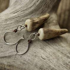 Hand-crafted Elk Antler Tip Earrings Deer Antler Jewelry, Deer Antler Crafts, Hunting Crafts, Antler Art, Bone Jewelry, Bullet Jewelry, Simple Earrings, Diy Earrings, Elk Antlers