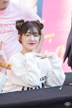 "Tiffany Hwang, also known as Tiffany Young is an American singer, well known as a member of the Korean band ""Girls' Generation"". Sooyoung, Seohyun, Girls Generation, Girls' Generation Tiffany, Tiffany Girls, Snsd Tiffany, Tiffany Hwang, Kpop Girl Groups, Korean Girl Groups"