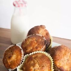 An easy and tasty recipe to cook with kids in fall for some delicious blackberry muffins with a crumble topping. Easy Meals For Kids, Make Ahead Meals, Easy Family Meals, Blackberry And Apple Crumble, Blackberry Recipes, Top Recipes, Muffin Recipes, Fall Recipes, Breakfast Muffins