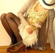 love the polka dot tights