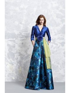 View the latest occasions dress collections from Pepe Botella as well as UK Stockist information Lovely Dresses, Elegant Dresses, Beautiful Outfits, Dress Outfits, Fashion Dresses, Mother Of Bride Outfits, Evening Dresses, Prom Dresses, Mode Hijab