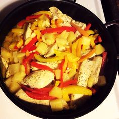 Lemon chicken sautéed in coconut oil with red & green peppers, onion, garlic, lemon & pineapple!! Colorful & delicious nutrition  #healthy #nutritious #coconutoil #peppers #onion #garlic #pineapple #lemon #chicken #protein #vitamins #recipe #organic #moms #grandmas #food #photo #colorful #whole30 #cleaneating