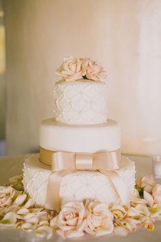 Pink bow wedding cake | Photography: Dave Richards Photography - dave-richards.com  Read More: http://www.stylemepretty.com/little-black-book-blog/2014/05/15/elegant-la-venta-inn-wedding/