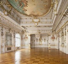 The Cosmos Club is a National Historic Landmark, and its Ballroom is the crown jewel. John Canning & Co were chosen to work on this project. Baroque Architecture, Beautiful Architecture, Aesthetic Art, Aesthetic Pictures, Dream Home Design, House Design, Le Palace, Moon Palace, National Landmarks