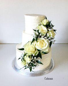 Wedding cake with fresh flowers, hääkakku aidoilla valkoisilla ruusuilla Fresh Flower Cake, Fresh Flowers, Wedding Cakes, Roses, Decor, Wedding Gown Cakes, Decoration, Pink, Rose