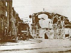 Terme di Diocleziano. Ospitavano l'Ospizio Margherita di Savoia per i poveri ciechi e l'antica osteria della Certosa Anno: 1875 ca.
