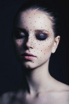 vividvenus:  black spotted inspiration △▲Vivid▲Venus ▲△      ☾
