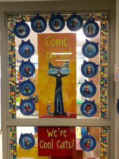 ideas for door decorations classroom reading pete the cats - New Deko Sites Back To School Bulletin Boards, Preschool Bulletin Boards, Preschool Classroom, Preschool Activities, Preschool Writing, Book Activities, Classroom Displays, Classroom Themes, Pete The Cat Art