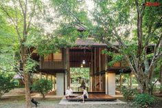 """""""Huean Tham,"""" Local Thai House in a Japanese Tradition / Living ASEAN house thai Thai House, Asian House, Modern Tropical House, Tropical House Design, Tropical Houses, Bamboo House Design, Modern House Design, Rest House, House In The Woods"""