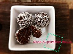 This recipe for chocolate superfood balls is not only incredibly delicious, but healthy too!